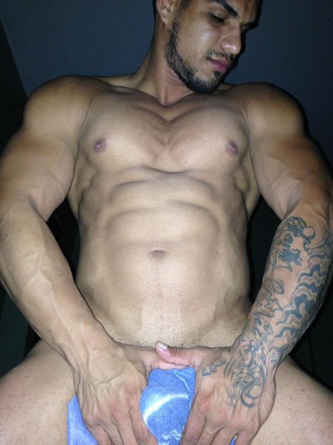 [HETERO] Juan de Venezuela, rico entrenador de gym