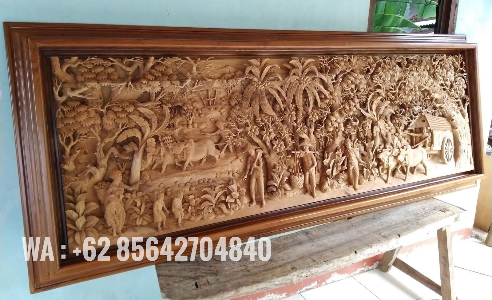 ukir relief pertanian kayu jati