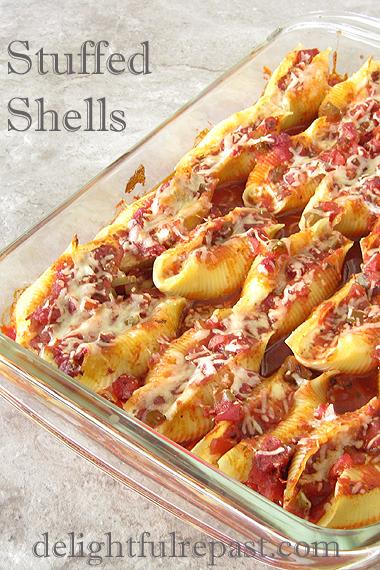 Stuffed Shells - Conchiglie Ripiene al Forno / www.delightfulrepast.com