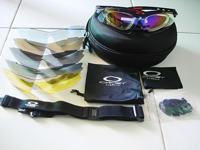 72c05f7cc6 ... good jual sunglasses oakley quantum black red ducati 100 original ada  sertifikat licence gan. c16dd