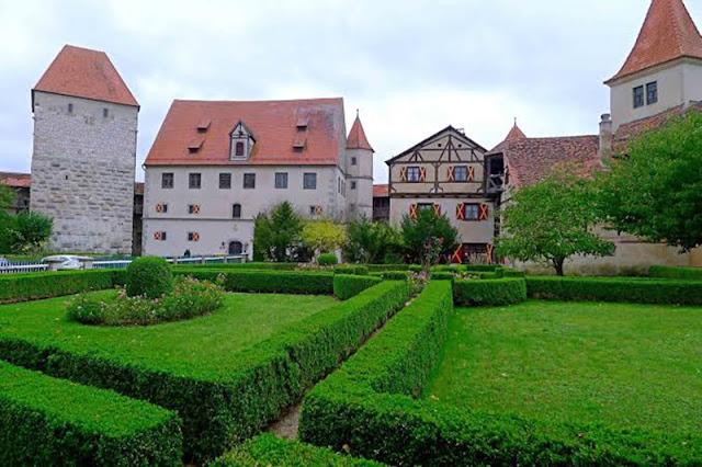 Jardins do castelo de Harburg