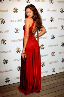 Irina Shayk So Pretty Pic In Long Red Outfit