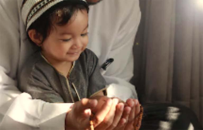 10 Cara Hebat Mengajarkan Anak Melaksanakan Puasa Ramadhan Sejak Dini