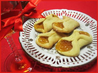 hiperica di lady boheme blog di cucina, ricette facili e veloci. Ricetta pasticcini ripieni al cioccolato e frollini ripieni alla marmellata