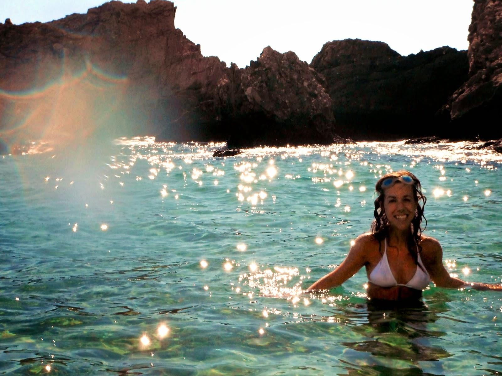 http://s-fashion-avenue.blogspot.it/2014/09/corfu-holidays-glifada-southern-beaches.html