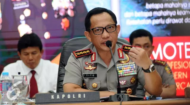 """Kapolri Tito Beberkan Keuntungan Kenaikan Tarif BPKB : """"Karena terjadi inflasi material. Kertasnya dulu jelek, sekarang sudah bagus dan ada hologramnya.."""