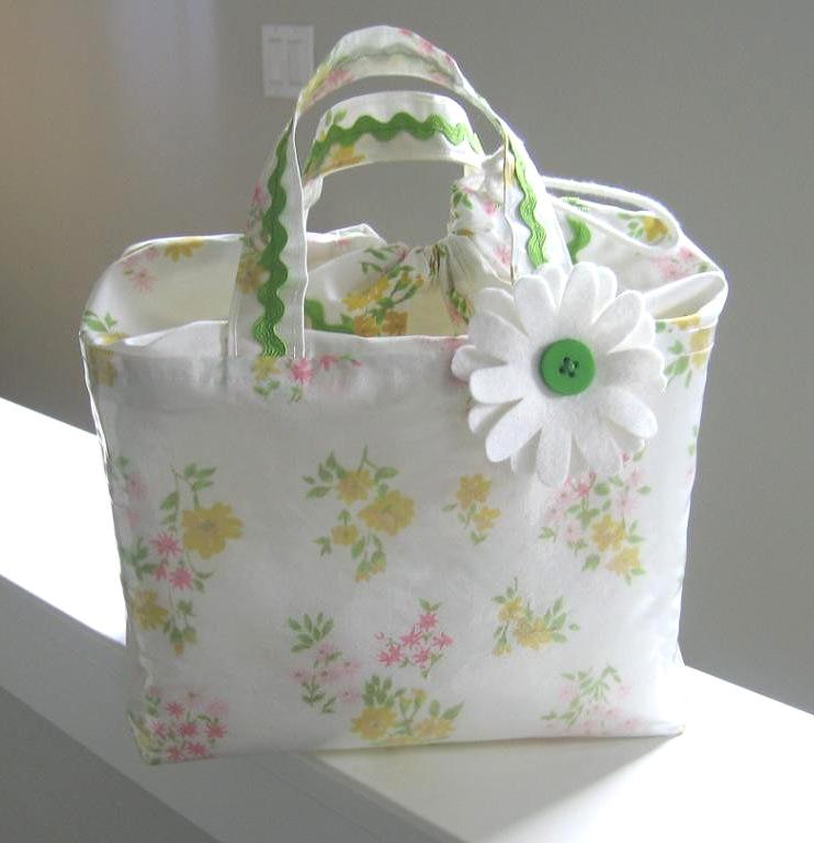Vintage Pillowcase Lunchbox Bag Tutorial