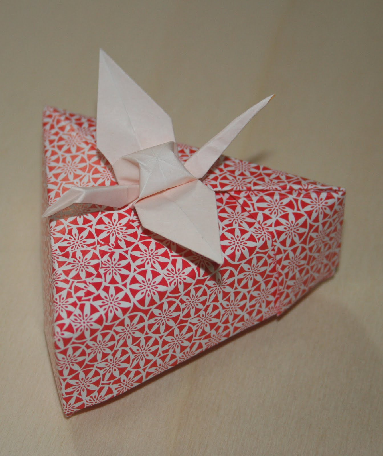 ORIGAMI CONSTRUCTIONS: heptagonal origami box + folding ... - photo#47