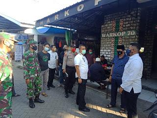 Pemerintah Bersama TNI-Polri Laksanakan Giat Penertiban Prokes Dan PPKM Di Lingkungan Pasar