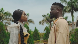 DOWNLOAD VIDEO  |  Sarkodie ft  Efya – Saara  mp4