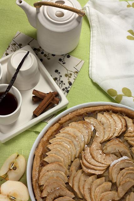 Tart od jabuka sa nadjevom od jabuka