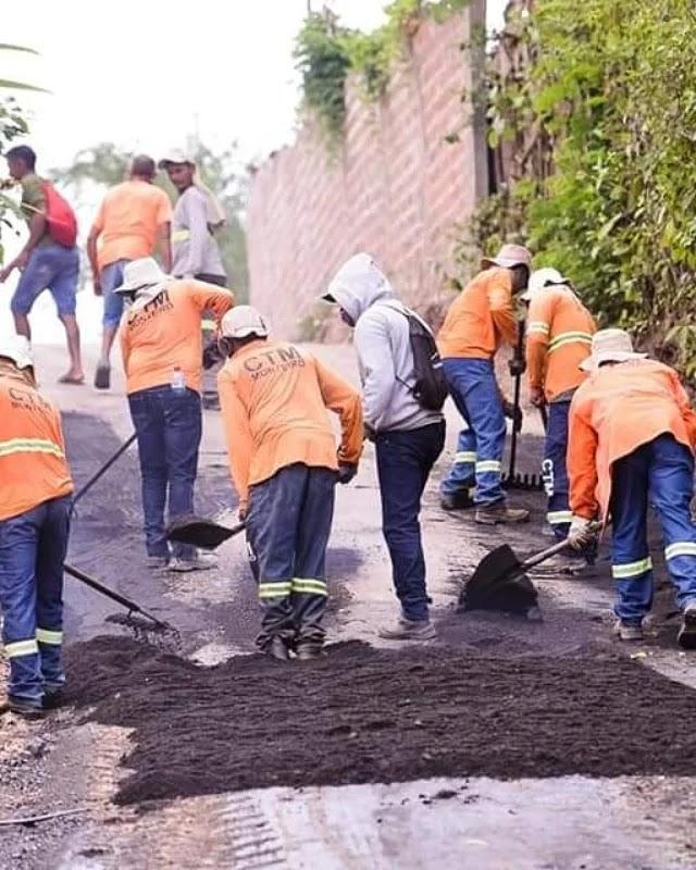 Ruas Newton Bello e Travessa Norte da Aldeia recebem asfalto.