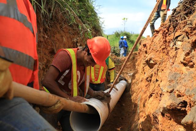 Gobierno dice que empezaron trabajos de agua y saneamiento, pero no dijo dónde