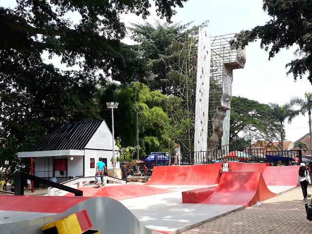 Fasilitas Olah Raga untuk Anak Muda di Lapangan Sempur Bogor
