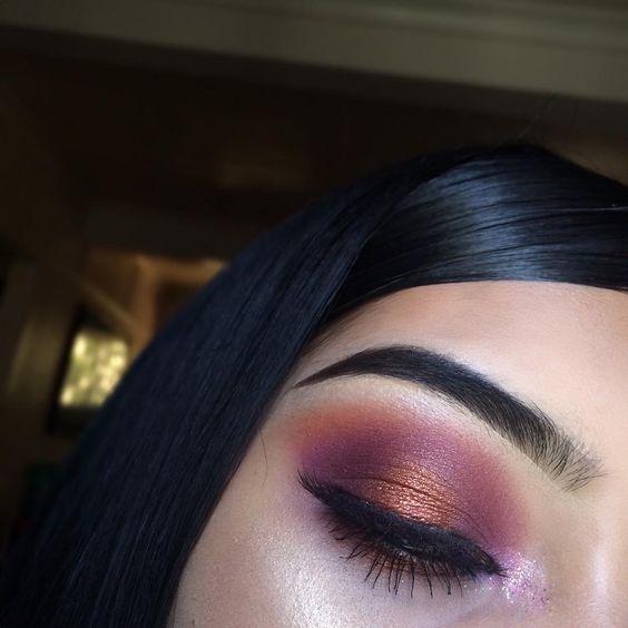 make-up summer look dark purple