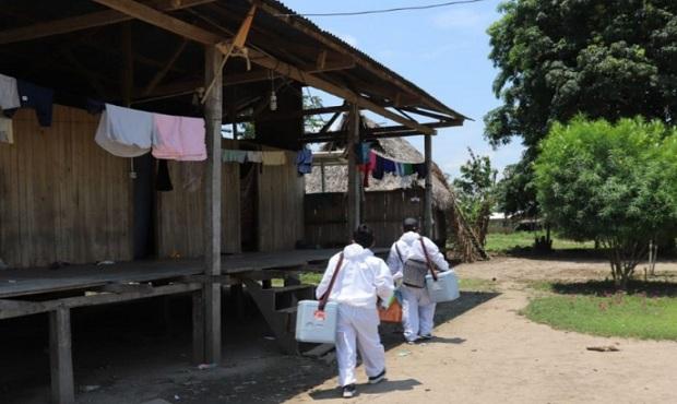 Loreto: brigadistas vacunan casa por casa contra la difteria y otras enfermedades