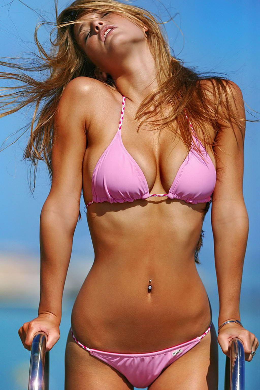 Est bikini bar hollywood