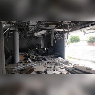 Bandos invadem cidade na PB e explodem agência bancária