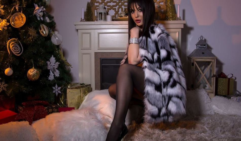 MellAnyass Model GlamourCams