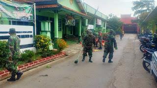 Wujudkan Keindahan dan Kenyamanan Pangkalan Anggota Koramil 05/Mayong Lakukan Pembersihan