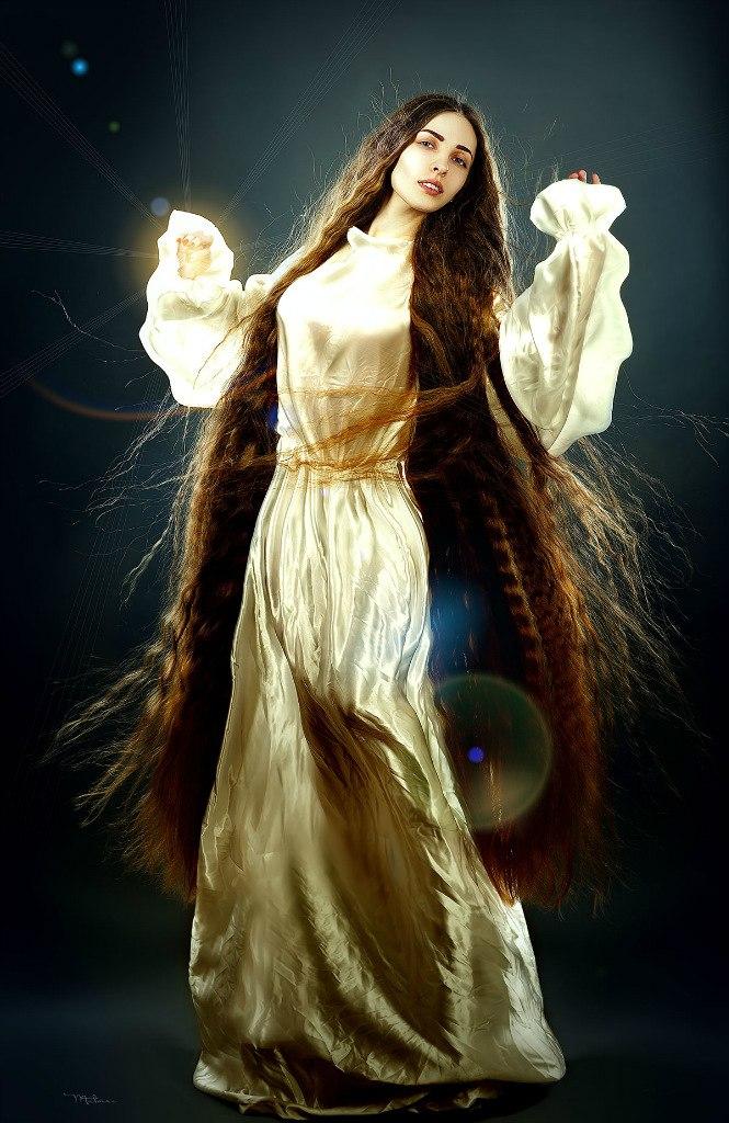 Long hair girl shows off her floor length hair|Girls with ...