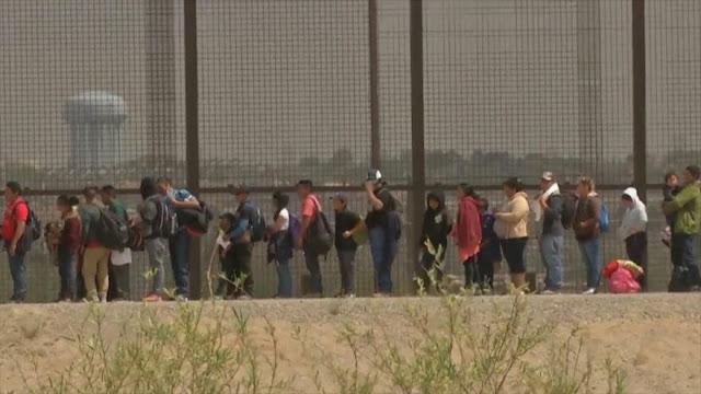 La supremacía blanca y Trump quieren suprimir el asilo a migrantes