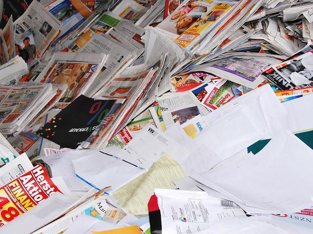 Asyiknya Mengolah Kertas Bekas Menjadi Kerajinan Berkelas