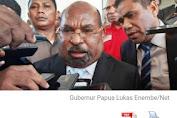 DUALISME KEPEMIMPINAN DI PROPINSI PAPUA: 'LE pilihan Rakyat Papua versus DYF pilihan Mendagri'