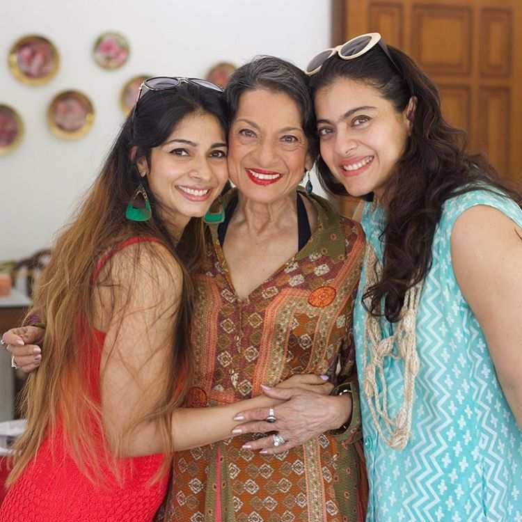 Tanisha Mukherjee Sister Name Bollywood Heroin Kajol