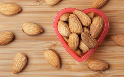 Almonds contain vitamin E good for eyesight