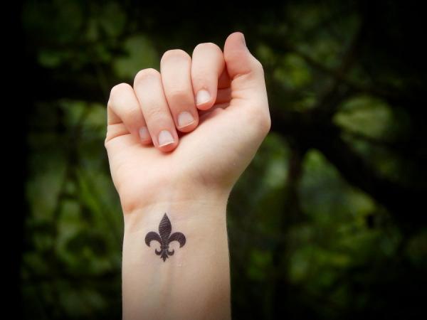 Quelle est la signification des tatouages fleur de lis