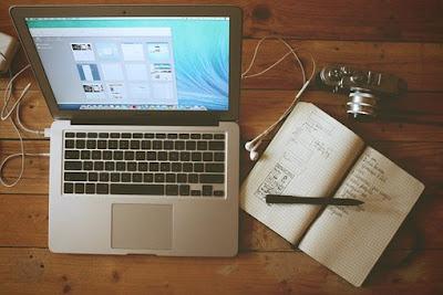 Menggunakan Situs Web Blogging Gratis