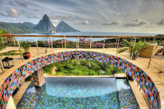 10 Hotel murah dan terbaik di Dunia