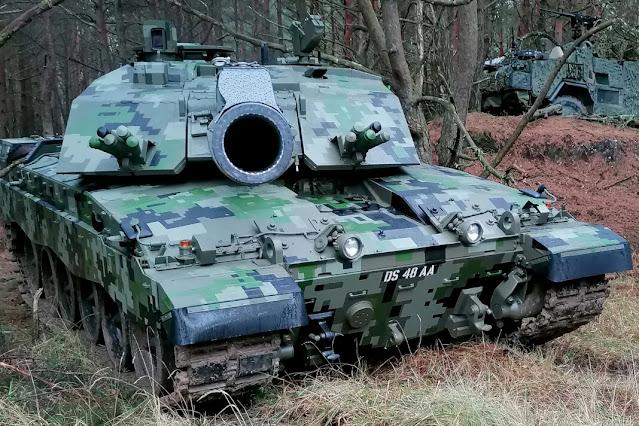 Tank Anh nguỵ trang