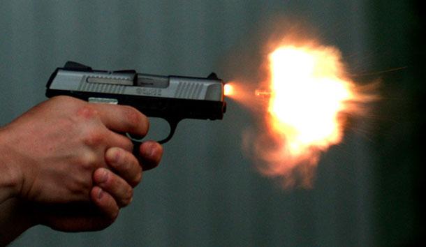 Άγρια συμπλοκή με πυροβολισμούς αστυνομικών και κακοποιών στην Αρχαία Κόρινθο