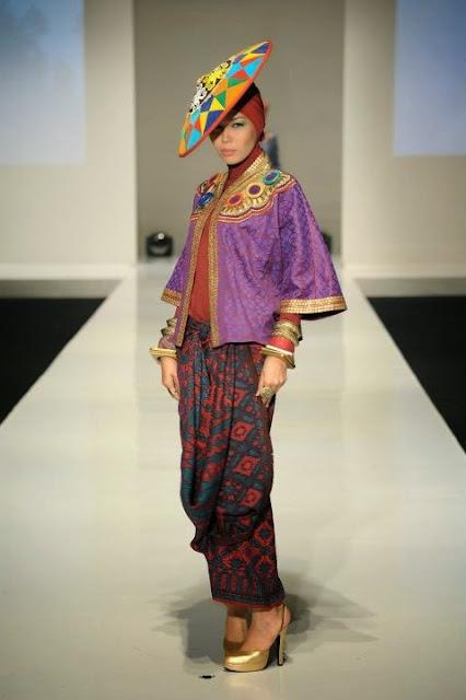 Baju Muslim Batik Wanita Terbaik 2015