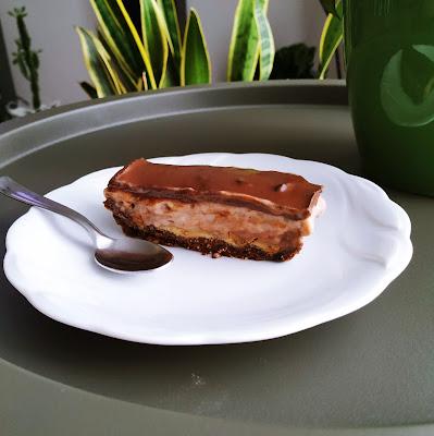 Fit ciasto snickers - przepis bez pieczenia
