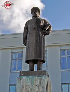 Escultura de Snorri Sturluson en Reyholt