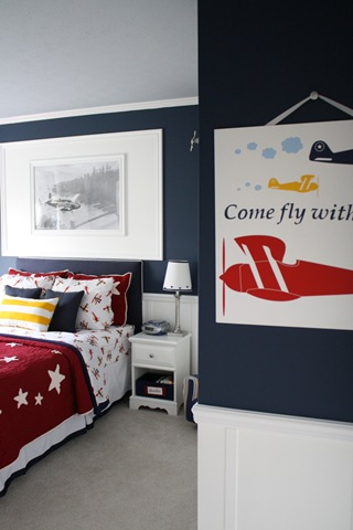 Boys airplane room