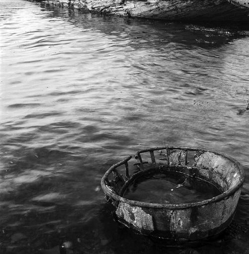 Kevin Percival, fotos en blanco y negro chidas, imagenes de soledad, lugares abandonados, agua,