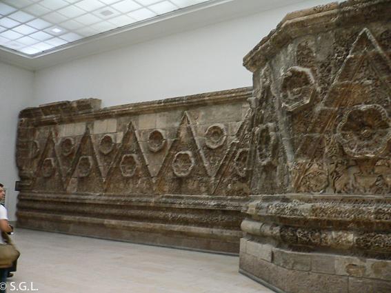 Fachada del palacio de Mshatta. Museo de pergamo en Berlin