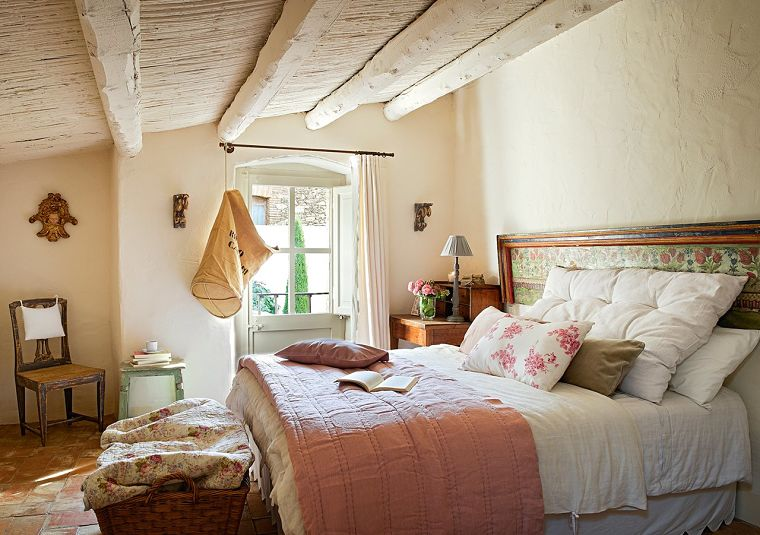 PUNTXET Un antiguo pajar rehabilitado con estilo provenzal #dormitorio