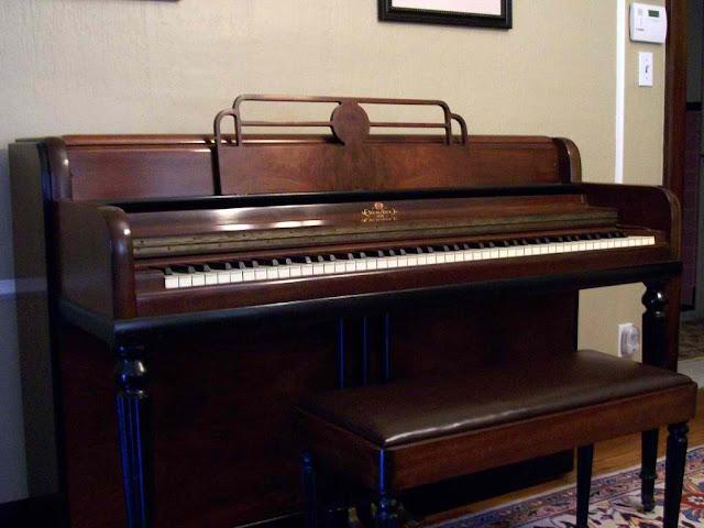 đàn piano đứng