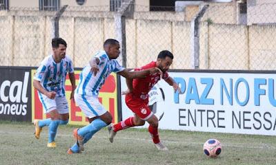Vila Nova empata com o Crac com gol do meio campo e gol nos acréscimos, vai para última rodada precisando vencer o Goiânia