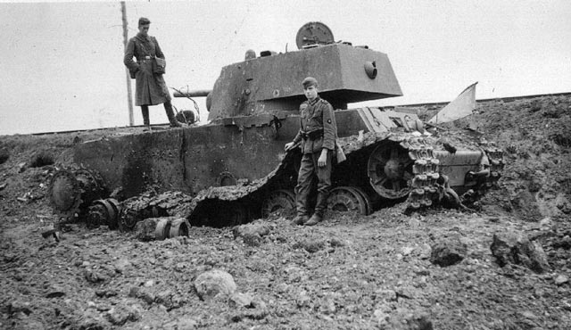 A destroyed Soviet KV-1 tank worldwartwo.filminspector.com