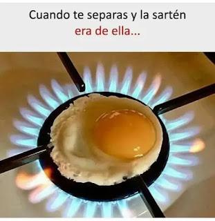 Huevo haciéndose en fogón