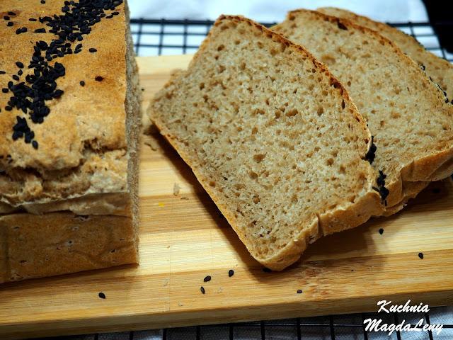 Chleb domowy na wodzie z kiszonych ogórków