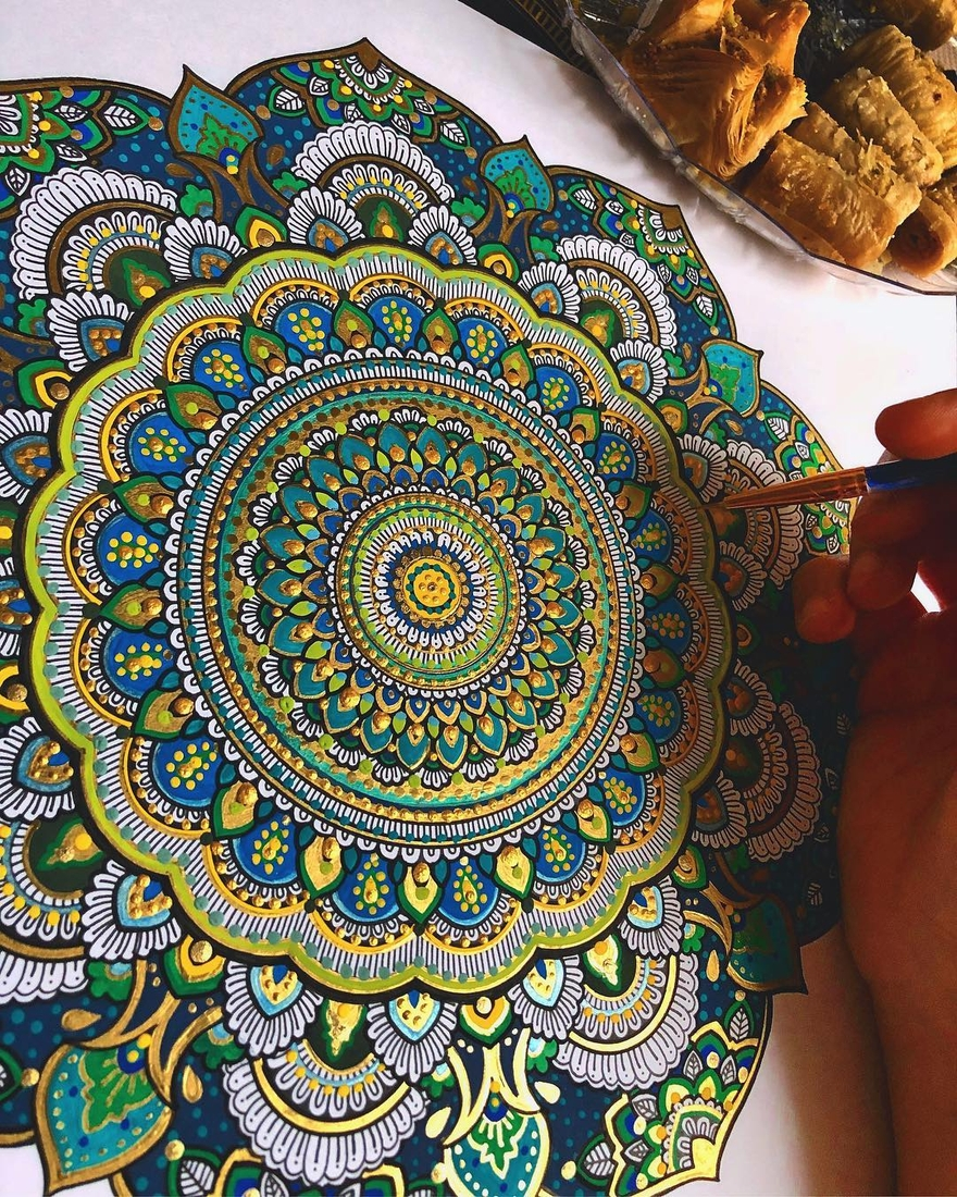 04-Asmahan-Mosleh-Mandala-Drawn-and-then-Painted-with-Color-Themes-www-designstack-co