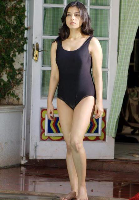Actress Keerthi Chawla Hot Bikini Stills actressbuzz.com