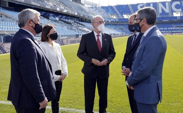 Málaga, las instituciones apoyan y renuevan su abono físico